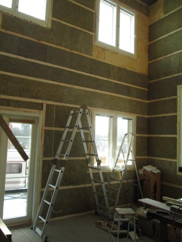 Yhdet tikkaat eivät pitkälle riitä, jos ylimmät ikkunat haluaisi esim. pestä.
