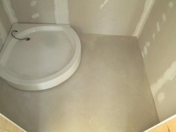 Oikeasti suihkukaapin suurin levesys on kuitenkin 105cm, eikä rakennuskuviin piirretty 80cm.