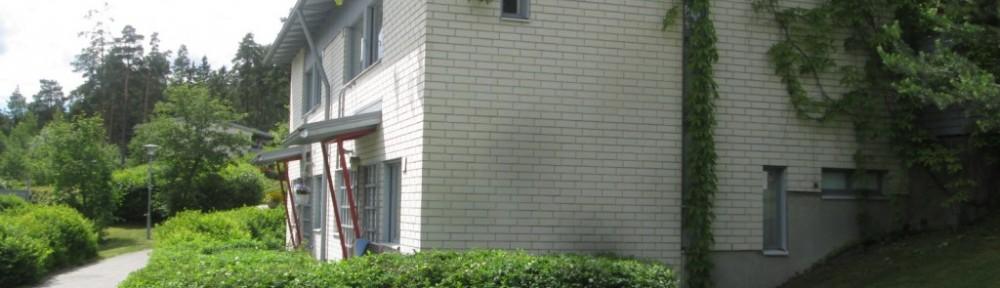 Nykyisen asunnon pensaat leikattu vissiin viimeistä kertaa?