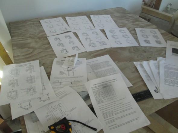 Tiilerin takan piirustukset, eli kuvat kerroksittain paperilla. Kerroksia on yhteensä 28 kpl ulkokuoressa. Sisäosissa vähän vähemmän.