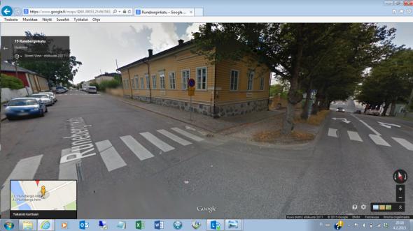 Kuvakaappaus Googlen katukamerasta. Kuvassa Runebergien kotitalo Porvoossa, silloisen Kirkkokadun (nykyisen Runeberginkadun) ja Aleksanterinkadun kulmassa.