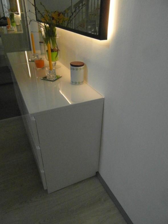 Ongelmatilanne nro1 = lattialista. Ja kaapisto ei näytä hyvältä, jos sitä ei saa kiinni seinään saakka.