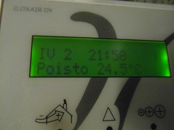 Huonetiloista pois tulevan ilman lämpötila on 24,5C.