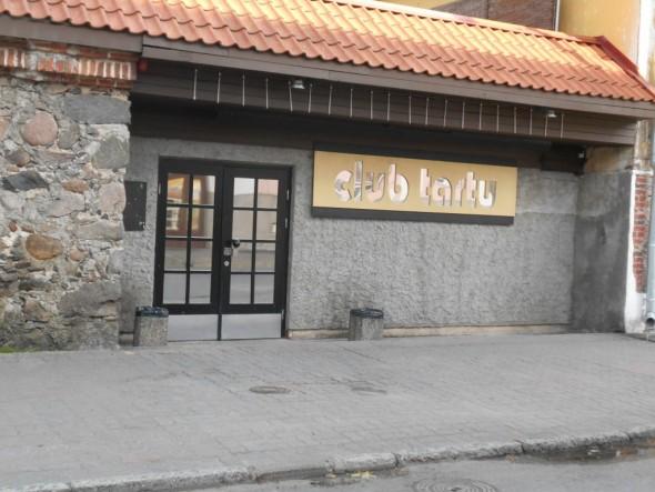 Jos haluaa diskossa käydä, niin Võrun yöelämää edustaa mm. Club Tartu.