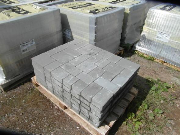 Kivet toimitetaan lavalla, jossa on aina 9,6 m2 per lava. Täyden lavan paino on 1300 kg.